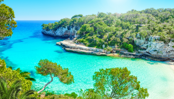 piękna plaża w egzotycznym kraju